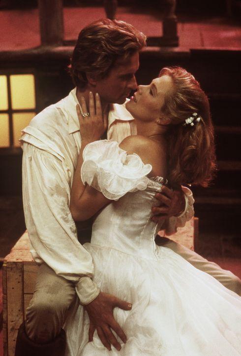 In ihren Fantasien lebt Joan (Kathleen Turner, r.) ein glückliches Leben mit Jack (Michael Douglas, l.) ... - Bildquelle: 20th Century Fox Film Corporation