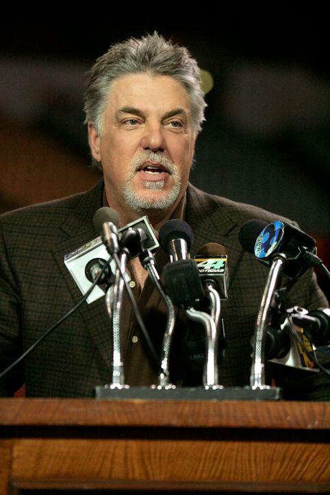 Hat Larry Alston (Bruce McGill) etwas mit den Morden an den zwei Freefight-Kämpfern zu tun? - Bildquelle: Paramount Network Television