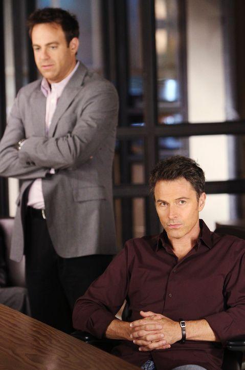 Kenny wird von seinen Mitschülern gehänselt und täuscht deshalb Bauchschmerzen vor. Cooper (Paul Adelsetein, l.) riecht den Braten allerdings sch... - Bildquelle: ABC Studios