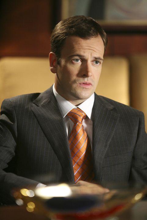 Jetzt wird es ernst für ihn: Eli (Jonny Lee Miller) steht kurz davor, dass er seine Lizenz als Anwalt verliert ... - Bildquelle: Disney - ABC International Television
