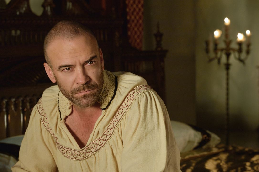 In Catherines Visionen steht Henry (Alan Van Sprang) von den Toten auf ... - Bildquelle: Ben Mark Holzberg 2014 The CW Network, LLC. All rights reserved.