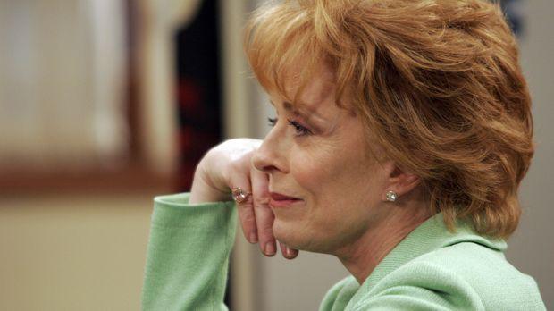 Oma Evelyn (Holland Taylor) ist eifersüchtig auf die Großeltern ihres Enkels...