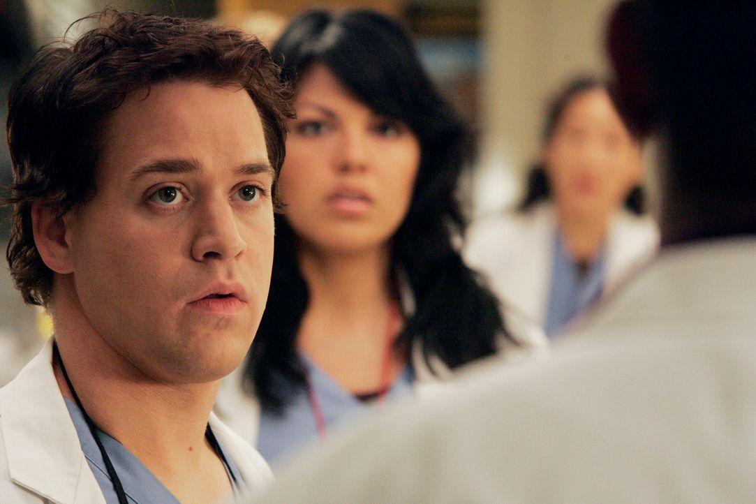 Können nicht glauben, was Dr. Webber gerade gesagt hat: George (T.R. Knight, l.), Callie (Sara Ramirez, M.) und Cristina (Sandra Oh, r.) ... - Bildquelle: Touchstone Television