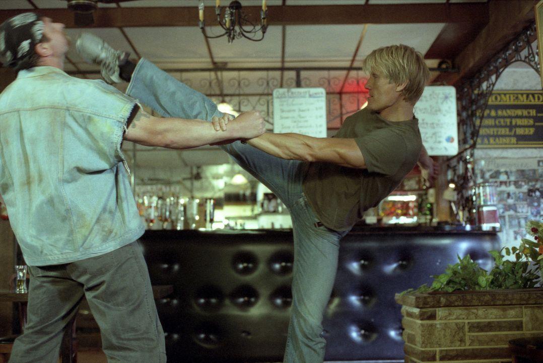 Als Mordfahnder bei der Direct Action Unit von Los Angeles kennt Officer Frank Gannon (Dolph Lundgren, r.) nicht nur alle Tricks der bösen Buben, so... - Bildquelle: Nu-Image Films