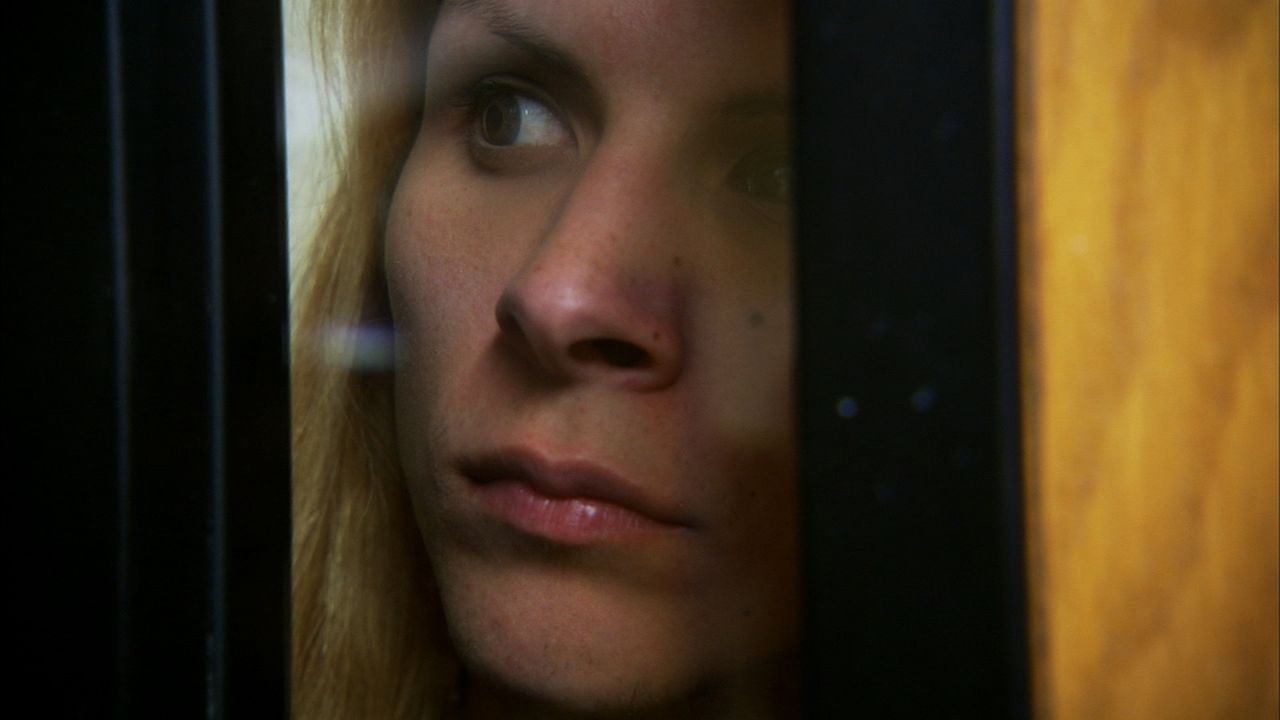 Als Transgender-Escortdame Krystina muss im Gefängnis einigen Bedrohungen entgegensehen und sitzt deshalb in Schutzhaft ... - Bildquelle: James Peterson National Geographic Channels/ Part2 Pictures