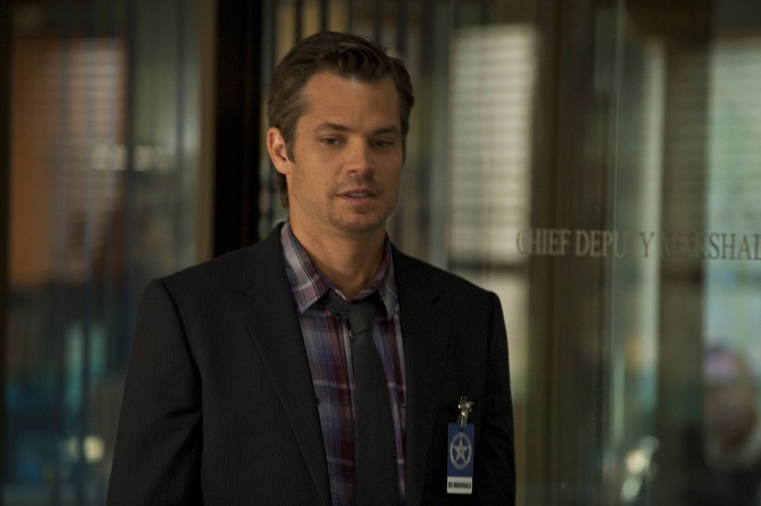 Ein flüchtiger Strafgefangener macht  Raylan Givens (Timothy Olyphant) das Leben schwer ... - Bildquelle: 2010 Sony Pictures Television Inc. and Bluebush Productions, LLC. All Rights Reserved.