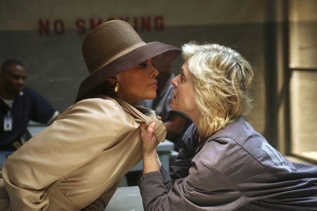 Wilhelmina (Vanessa Williams, l.) ist jedes Mittel recht, um Bradford von einer Scheidung mit Claire (Judith Light, r.) zu überzeugen. Es scheint, a... - Bildquelle: Buena Vista International Television