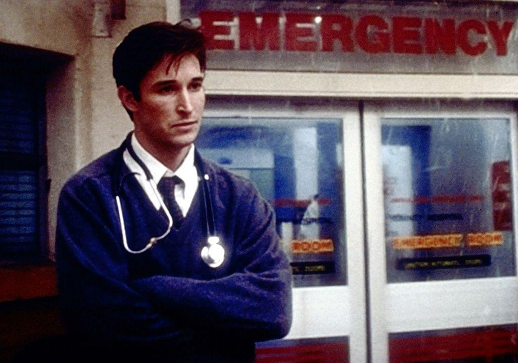 Als Carter (Noah Wyle) deutlich wird, dass sich sein Freund umgebracht hat, macht er sich große Vorwürfe ... - Bildquelle: TM+  2000 WARNER BROS.