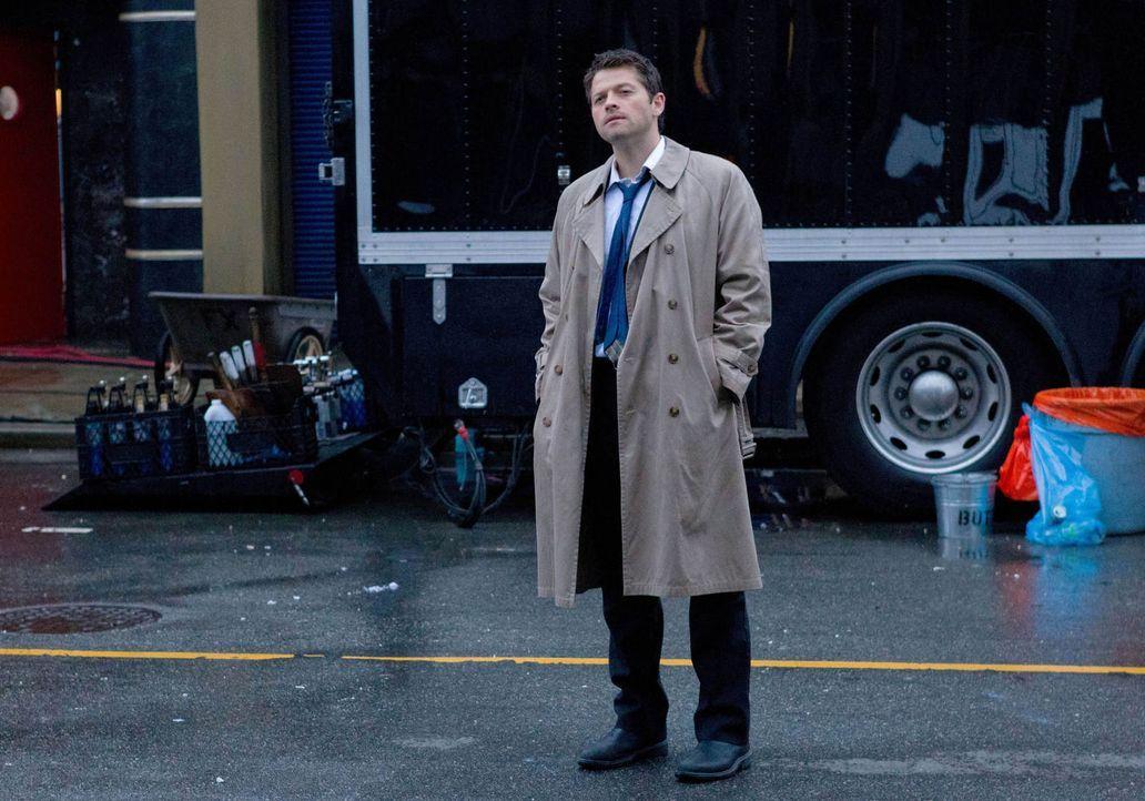In einer Parallelwelt, in der sogar Castiel (Misha Collins) nur Misha Collins ist, können die Winchester-Brüder auf keine himmlische Unterstützung h... - Bildquelle: Warner Bros. Television