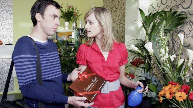Jetzt ist es raus - Tom (Alexander Schubert, l.) liebt Maike (Judith Richter,...