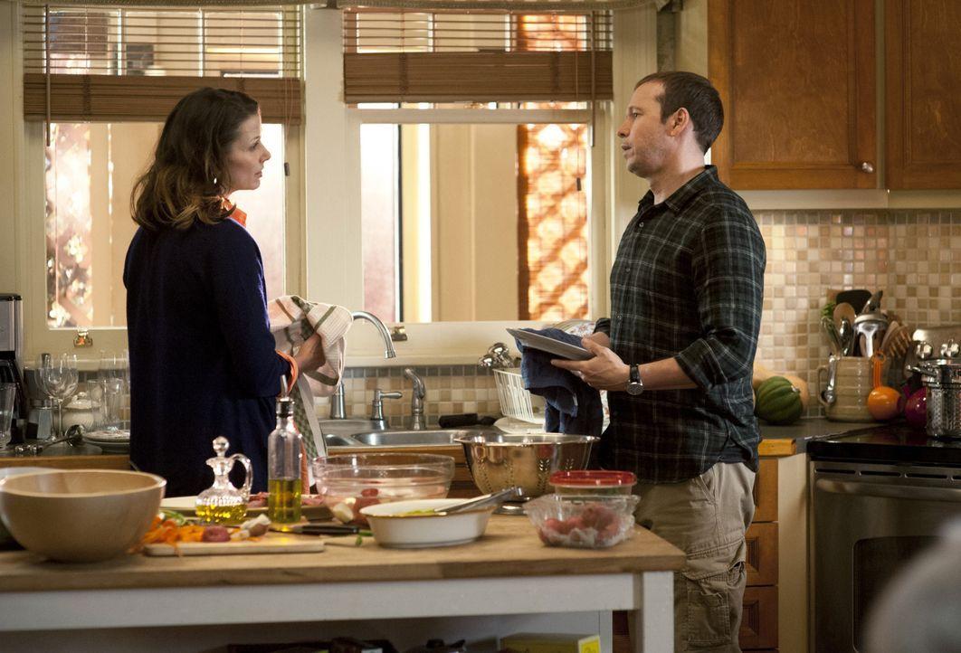 Nicht nur im Gerichtssaal streiten sich Danny (Donnie Wahlberg, r.) und Erin (Bridget Moynahan, l.) immens ... - Bildquelle: Jojo Whilden 2011 CBS Broadcasting Inc. All Rights Reserved