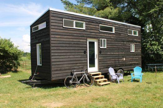 Trevor und Mary bauen ein Minihaus außerhalb von Dayton, Ohio, das auf ihre B...