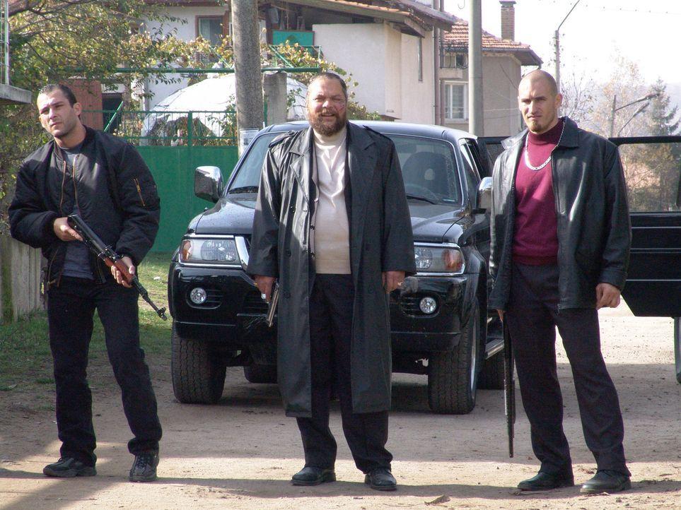 Nick Cherenko hat zur Ruhe gesetzt und arbeitet nun als Mechaniker. Doch bei einer Schießerei in seinem Dorf töten der Drogendealer Sasha (Ivan Petr... - Bildquelle: Nu Image Films