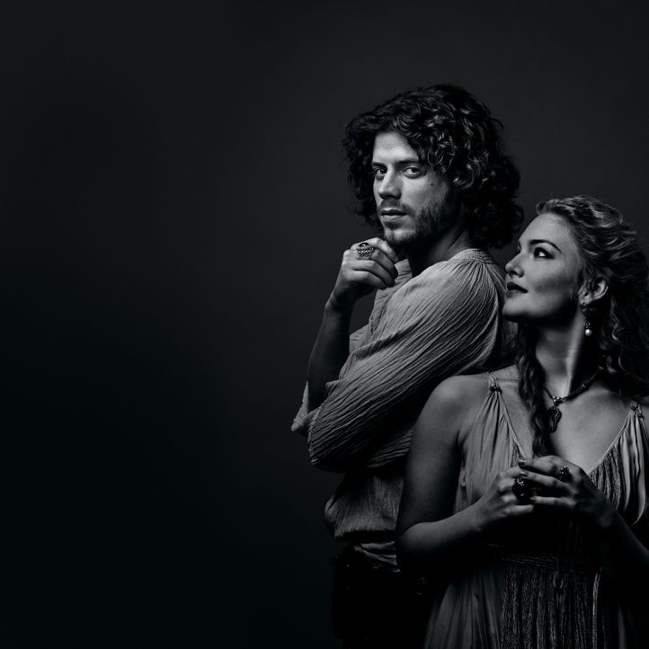 (2.Staffel) - Zwischen Liebe und Intrige: Cesare (Francois Arnaud, l.) und Lucrezia (Holliday Grainger, r.) ... - Bildquelle: LB Television Productions Limited/Borgias Productions Inc./Borg Films kft/ An Ireland/Canada/Hungary Co-Production. All Rights Reserved.