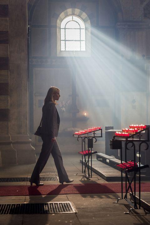 Hat sich ein neues Leben in Berlin aufgebaut - doch ihre Vergangenheit lässt nicht lange auf sich warten: Carrie (Claire Danes) ... - Bildquelle: Stephan Rabold 2015 Showtime Networks, Inc., a CBS Company. All rights reserved.
