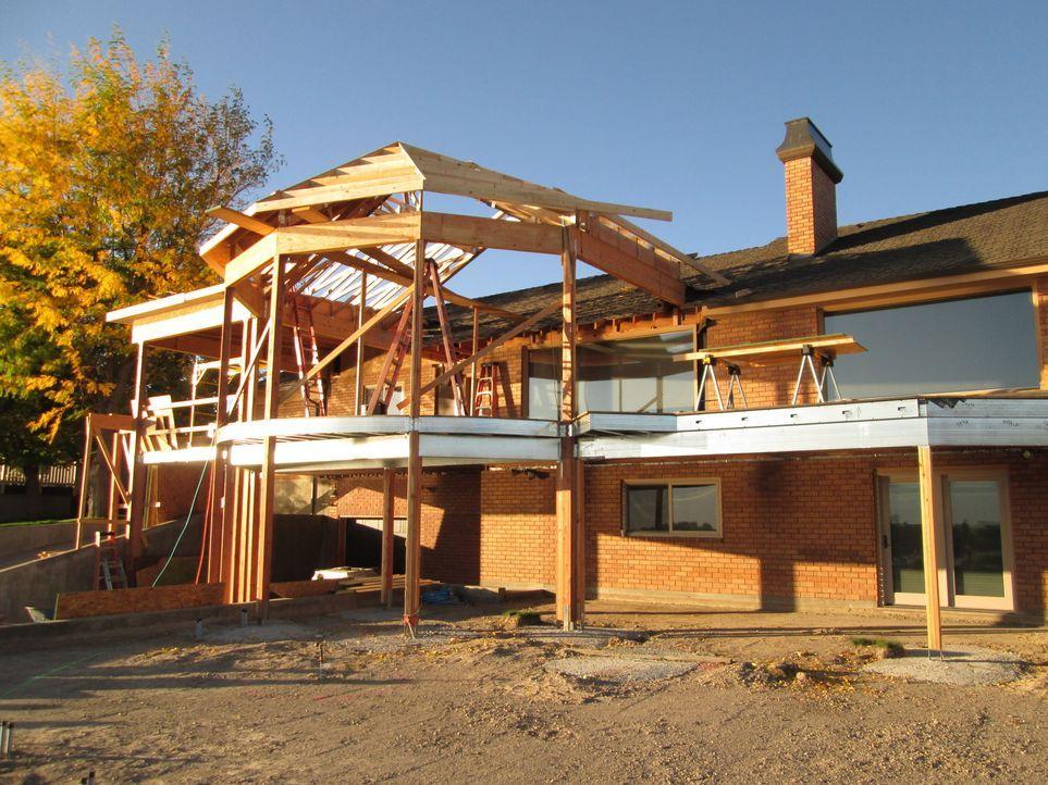 Für ein ganz bestimmtes, innovatives Unternehmen in Colorado ist der Terrassenbau reine Kunst. Das Team schafft unter anderem mithilfe von Unterhalt... - Bildquelle: 2017,DIY Network/Scripps Networks, LLC. All Rights Reserved.