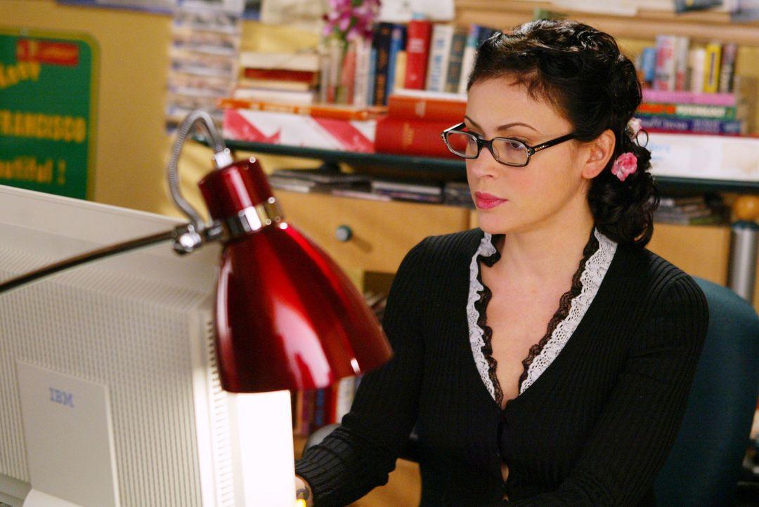 Phoebe (Alyssa Milano) hat von ihrem neuen Boss Jason Dean den Auftrag bekommen, einen Artikel über Internet-Dating zu schreiben. Sie ist alles ande... - Bildquelle: Paramount International Television