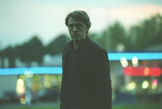 Der Elefant - Mord verjährt nie - Richard Seemann (Christoph Waltz), der mutm...