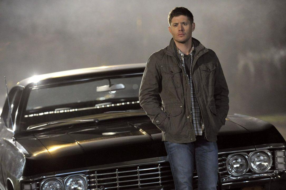 Ein Anruf lenkt Dean (Jensen Ackles) von einer ganzen Horde Monster ab, aber wird er diese wirklich einfach so davonkommen lassen? - Bildquelle: 2013 Warner Brothers