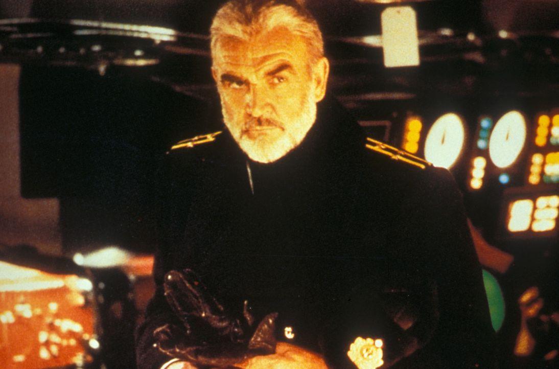 """Die Jagd auf """"Roter Oktober"""" beginnt: Will der sowjetische Kapitän Ramius (Sean Connery) auf eigene Faust die USA angreifen, will er überlaufen od... - Bildquelle: Paramount Pictures"""