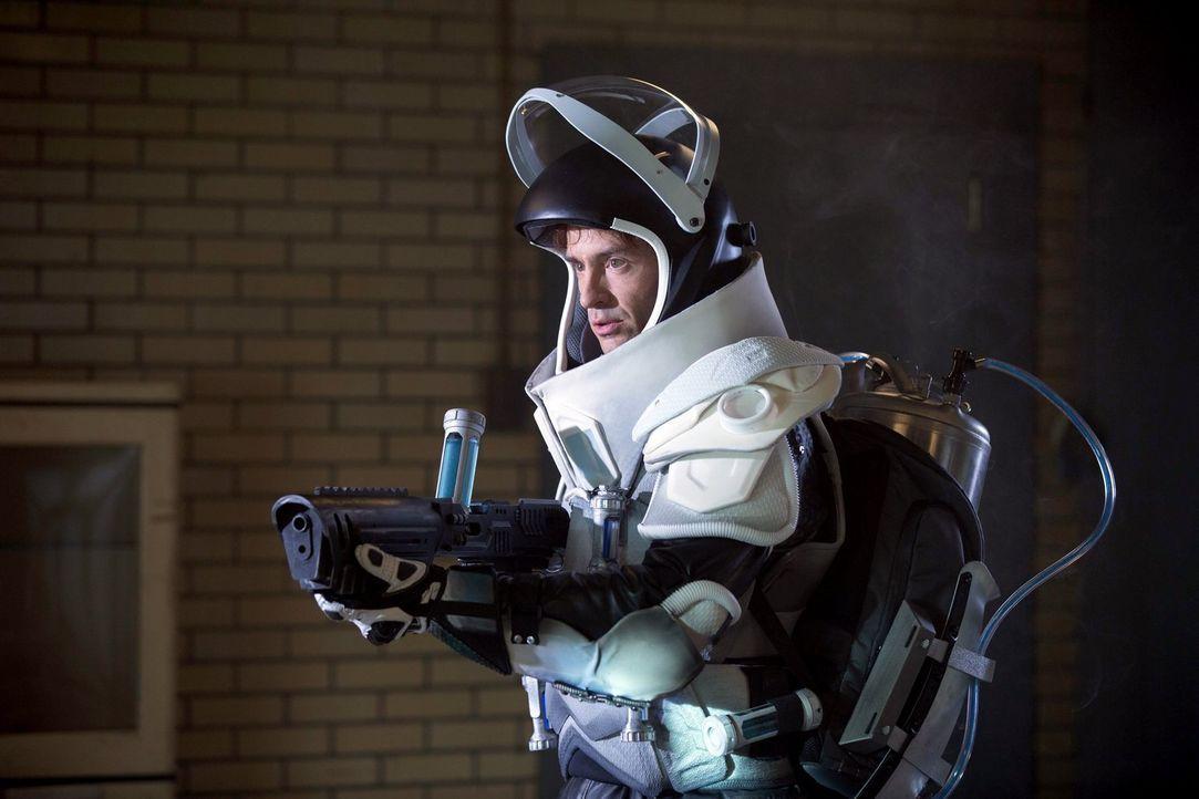 Ist weiterhin auf der Flucht: Victor Fries (Nathan Darrow) ... - Bildquelle: Warner Brothers