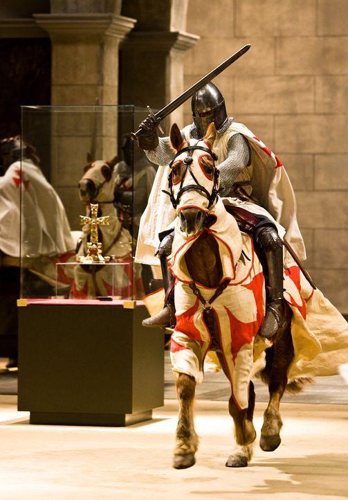 """""""Veritas vos liberabit"""" - Die Wahrheit wird euch befreien! Das Metropolitan Museum in New York präsentiert eine Sammlung vatikanischer Kostbarkeiten... - Bildquelle: 2008 Templar Productions (Muse) Inc. All Rights Reserved"""