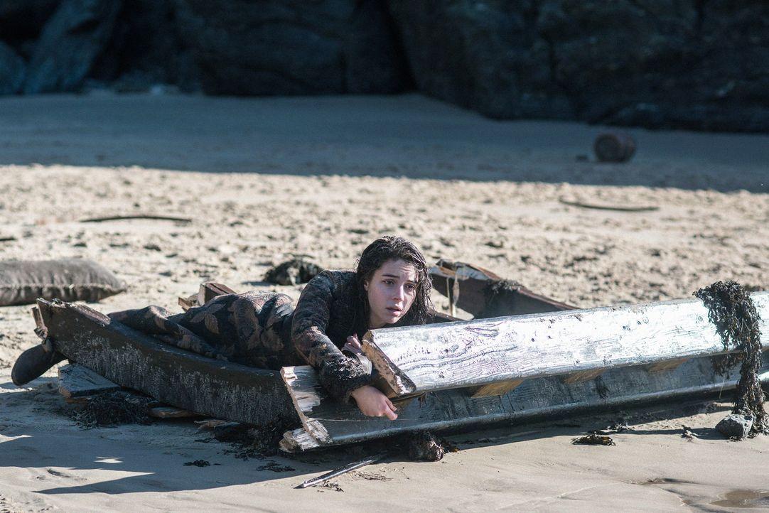 Bei ihrer Ankunft in Schottland muss Mary (Adelaide Kane) feststellen, dass sich hier seit ihrer Flucht einiges verändert hat und wie wenig sie ihr... - Bildquelle: Bernard Walsh 2016 The CW Network, LLC. All rights reserved.