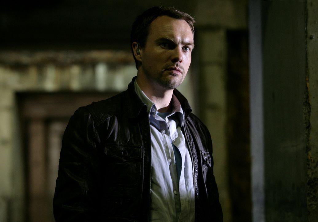 Gibt sein Geheimnis preis: Matt (Ciaran McMenamin) ... - Bildquelle: ITV Plc