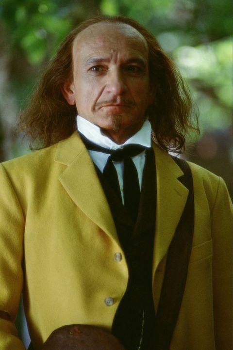 Der Mann in dem gelben Anzug (Ben Kingsley) ... - Bildquelle: Ron Phillips Disney Enterprises, Inc.