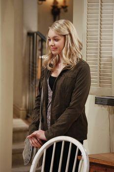Mom - Violet (Sadie Calvano) muss Christy und Bonnie etwas Ungewöhnliches ges...
