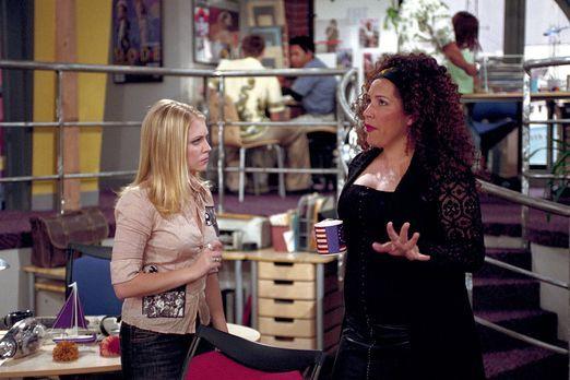 Sabrina - Nach einigen Umwegen landet die Job suchende Sabrina (Melissa Joan...
