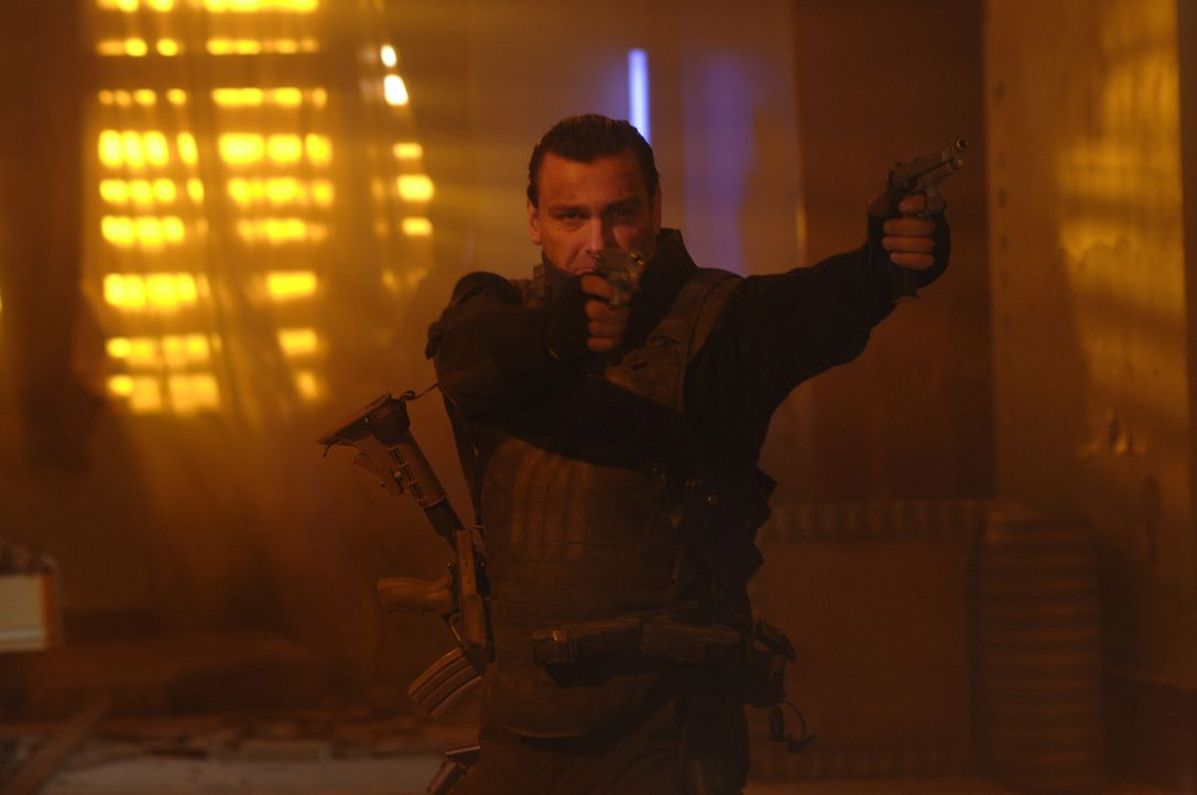 "Wird nicht nur von der halben Unterwelt verfolgt, sondern auch vom FBI: ""The Punisher"" (Ray Stevenson) ... - Bildquelle: 2008 MHF Zweite Academy Film GmbH & Co. KG. All Rights Reserved."