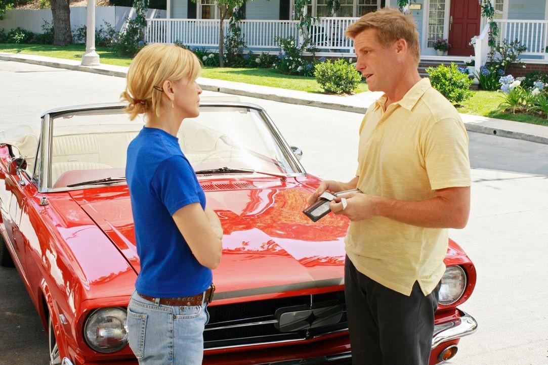 Rückblende: Lynette (Felicity Huffman, l.) kann nicht verstehen, dass Tom (Doug Savant, r.) sein Leben schon wieder ändern möchte, ohne dass er es m... - Bildquelle: ABC Studios