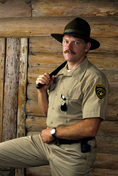 Sergeant Waldren (Casey Sander) führt ein hartes Regiment ... - Bildquelle: Disney