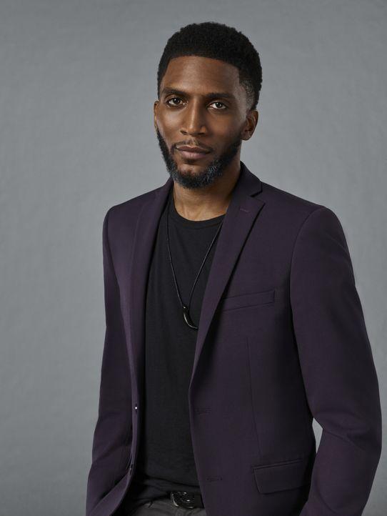 (5. Staffel) - Muss Vincent (Yusuf Gatewood) erkennen, dass all seine Bemühungen New Orleans und die Hexen zu schützen, schon bald wirkungslos werde... - Bildquelle: Warner Bros.