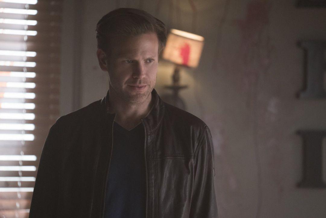 Eigentlich will Alaric (Matthew Davis) nie wieder Vampirjäger sein, denn schließlich haben ihm die letzten drei Jahre ohne Damon einiges Gutes besch... - Bildquelle: Warner Bros. Entertainment, Inc.