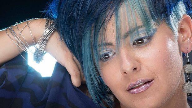 Trendfrisur-Blau