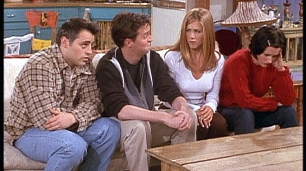(v.l.n.r.) Joey (Matt LeBlanc), Chandler (Matthew Perry), Rachel (Jennifer An...