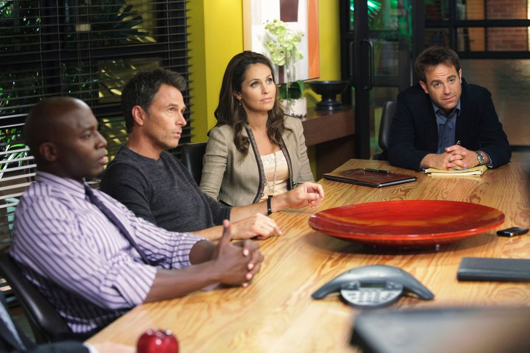 Sind von Naomis Vorhaben überrascht: (v.l.n.r.) Sam (Taye Diggs), Pete (Tim Daly), Violet (Amy Brenneman) und Cooper (Paul Adelstein) ... - Bildquelle: ABC Studios