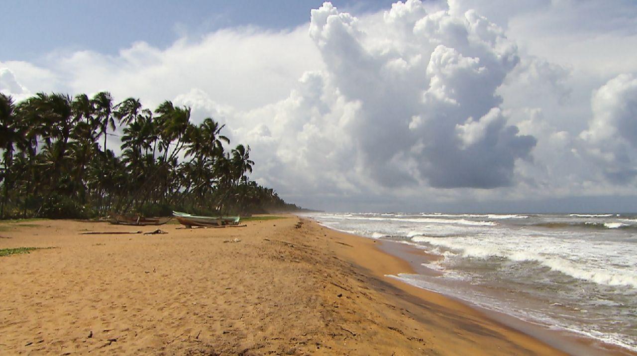 Bitte melde dich Staffel 2 Folge 1 Sri Lanka Strand - Bildquelle: SAT.1