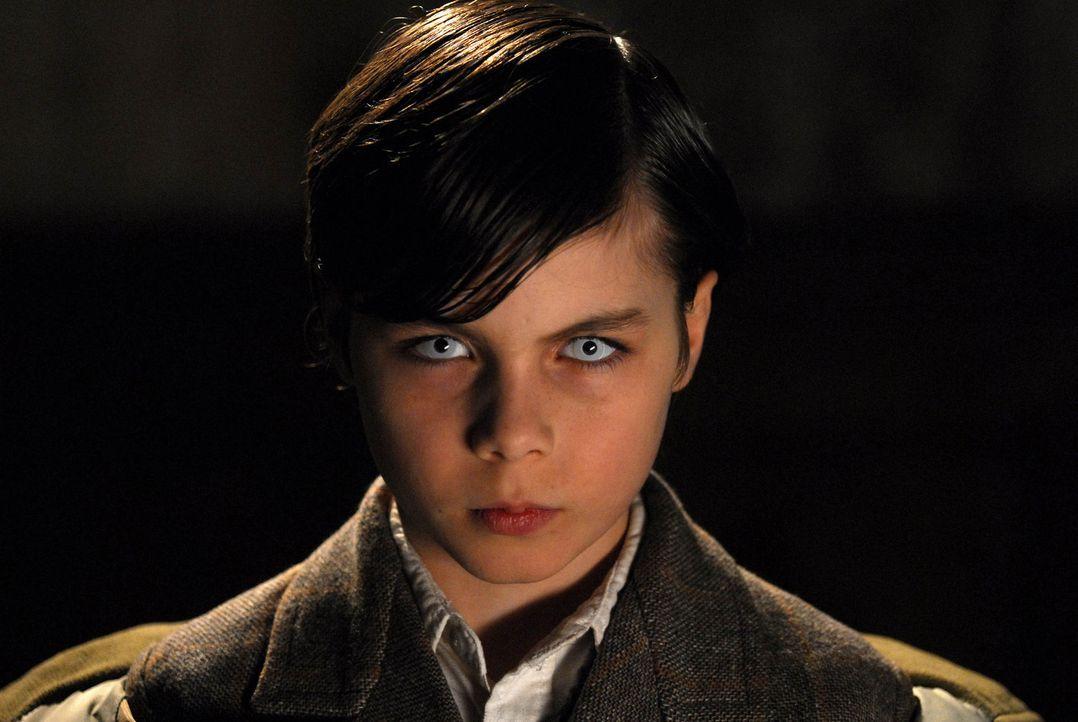 Diabolisch: Welch grausames Geheimnis verbirgt sich hinter dem Tod des kleinen Eric (Dario Stankewitz)? - Bildquelle: Uwe Ernst ProSieben