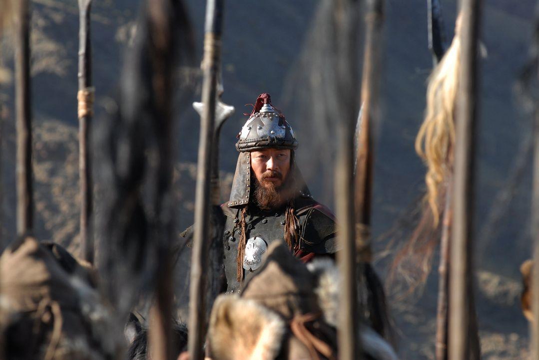 Die Armeen von Temudgin (Tadanobu Asano) und seines Blutsbruders Jamukha stehen sich gegenüber. Es geht um die alleinige Herrschaft über die Mongole... - Bildquelle: X-Filmverleih