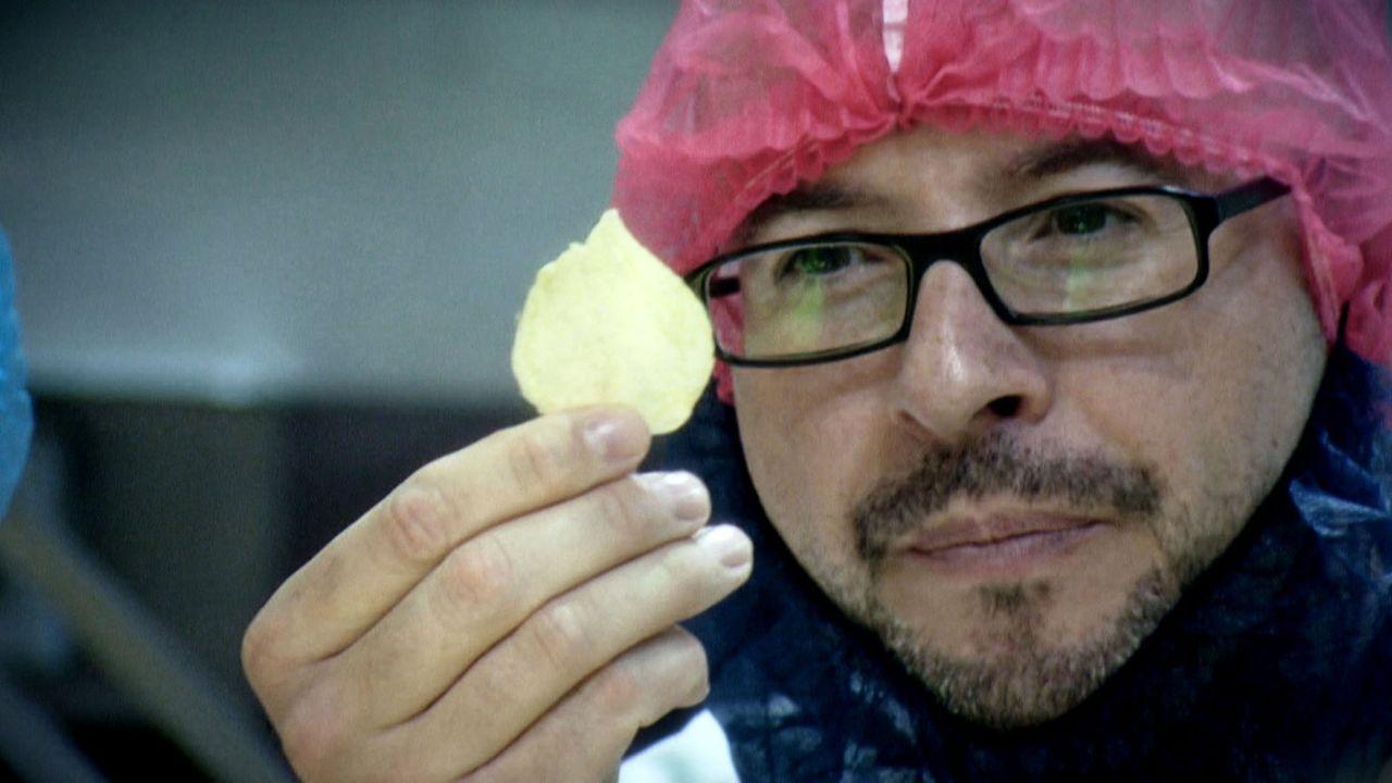 Kartoffelchips stehen auf der Liste der beliebtesten Knabbereien ganz weit oben. 72.000 Tonnen der knusprigen Kartoffelscheibchen werden jährlich i... - Bildquelle: ProSieben