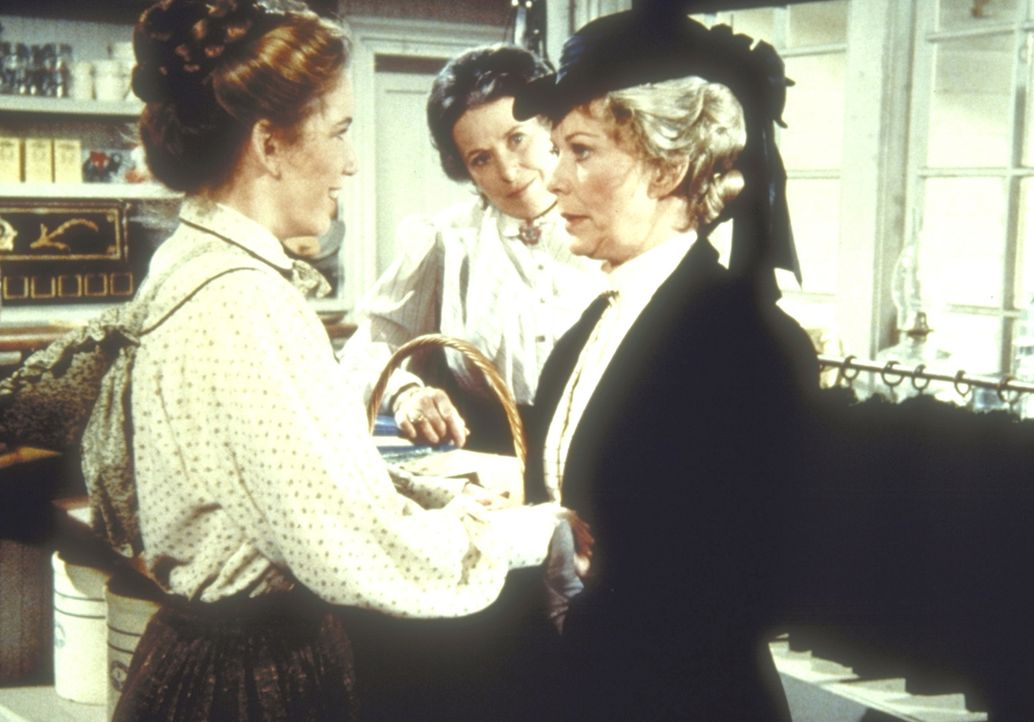 Laura (Melissa Gilbert, l.) begrüßt Ruthy Leland (Vera Miles, r.). - Bildquelle: Worldvision