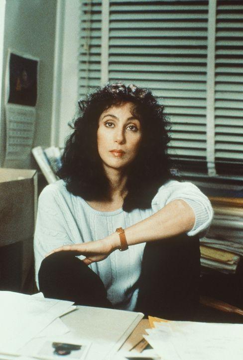 Ausgerechnet einen Tag vor ihrem Urlaub soll die völlig überarbeitete Pflichtverteidigerin Kathleen Riley (Cher) einen ziemlich verzwickten Fall übe... - Bildquelle: TriStar Pictures