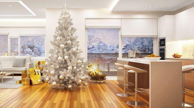 Weihnachtsbaum schm cken mit bunter deko sat 1 ratgeber - Tannenbaum dekoration ...