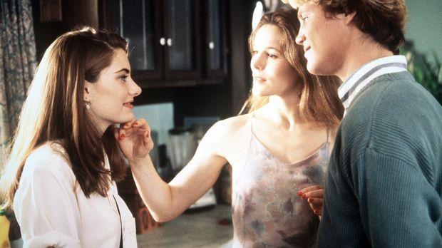 Eines Tages lernt die junge Tanya (Mädchen Amick, l.) Mary (Alice Krige, M.)...