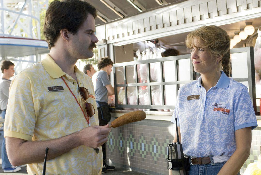 """Nach einigem Suchen findet James eine Anstellung im lokalen Freizeitpark """"Adventureland"""". Fortan darf er sich mit schlecht gelaunten Gästen, den dur... - Bildquelle: Miramax Films. All rights reserved"""