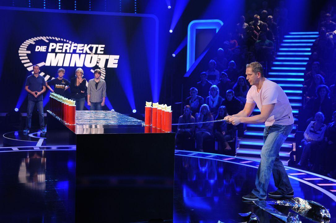 Ein Wettlauf gegen die Zeit beginnt: Markus Blonski (vorne) ... - Bildquelle: Willi Weber SAT.1