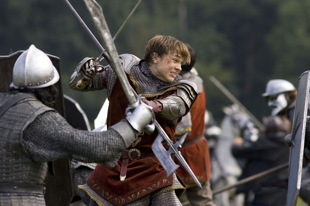 Eben noch in einer Londoner U-Bahn, da gerät Peter (William Moseley) auch schon mitten in einen Kampf zwischen Gut und Böse ... - Bildquelle: Disney - ABC - ESPN Television